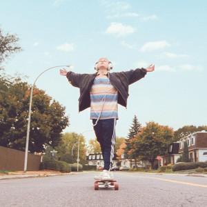 sub-1_mommy_onskateboard_1_1_large